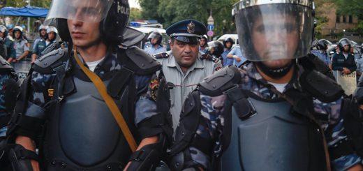Есть ли связь между событиями в Ереване и Алматы?