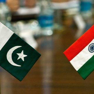 Киргизия одобрила вступление Индии и Пакистана в ШОС