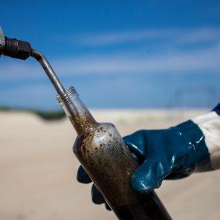 Страна остается в нефтяной ловушке