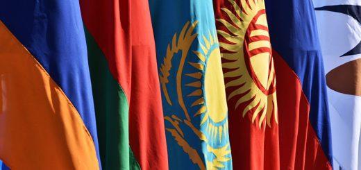 Белоруссия и Казахстан начали догонять РФ по доходам населения
