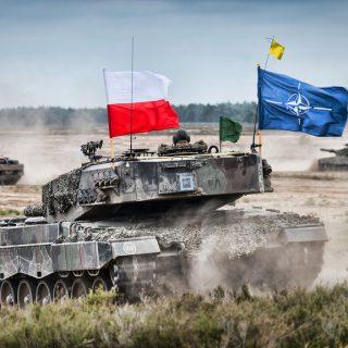Польше следует разместить атомные бомбы