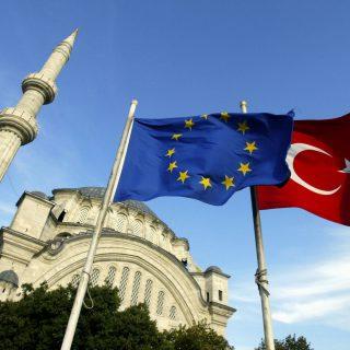 ЕС может прекратить переговоры с Турцией о вступлении в союз