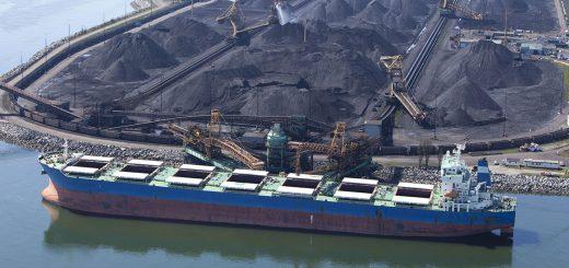 Уголь в портах