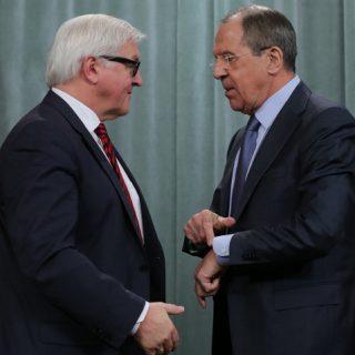 Штайнмайер и Назарбаев пытаются смягчить конфронтацию между Москвой и Киевом