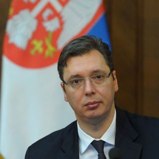 Признать Косово ради Хиллари Клинтон или не признавать ради Сербии.