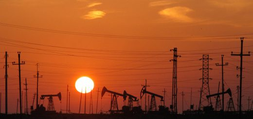 Нефтяные доходы Азербайджана сократились