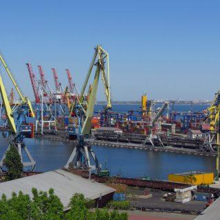 Белоруссия снизила транзит топлива через порты Украины