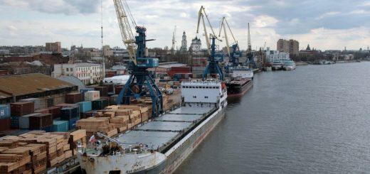 Россия предлагает связать порты Индии через Иран с астраханскими портами