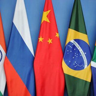 В этом году исполняется 15 лет с того момента, как я придумал термин «БРИК» для обозначения крупнейших стран с развивающейся экономикой: Бразилии, России, Индии и Китая (Южная Африка была добавлена в 2010 году).