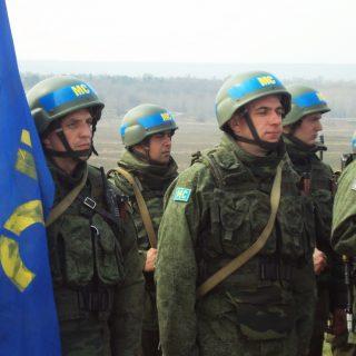 Министр обороны Молдавии Анатол Шалару договорился с украинским коллегой о предоставлении украинского коридора для эвакуации российских войск из Приднестровья.