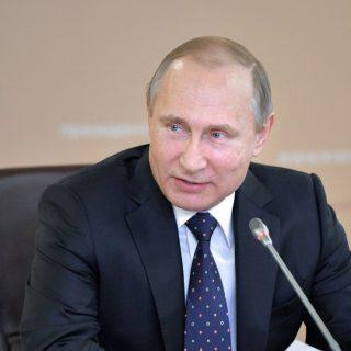 Путин: Россия не будет изолировать свою экономику