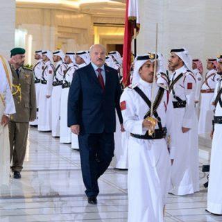 глава Белоруссии снова поехал искать деньги у своих арабских друзей.