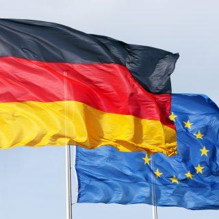 Германия призывает ЕС усилить давление на Польшу и Венгрию