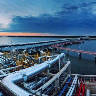 Терминал для хранения сжиженного природного газа в польском городе Свиноуйсьце