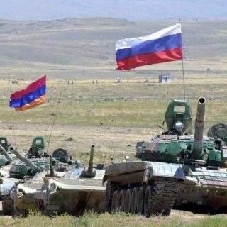 Договора об объединенной армяно-российской группировке войск вызвал множество обсуждений. Эксперты, политологи, бывшие и действующие чиновники Армении выражают противоположные мнения.