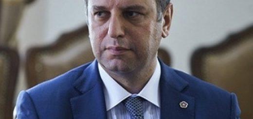 Министр обороны Армении Виген Саргсян рассказал о сотрудничестве с Москвой и НАТО и путях решения карабахского конфликта.