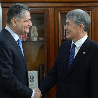 Президент Киргизии и глава ЕЭК обсудили снятие барьеров в ЕАЭС