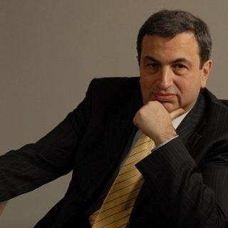 Известный российский экономист Яков Миркин предсказал очередную, уже четвертую за последние 20 лет, девальвацию рубля.