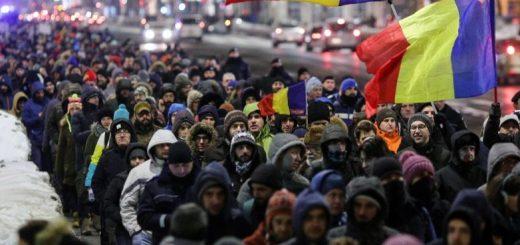 Самые масштабные за 25 лет протесты в Румынии, вызванные попыткой властей частично декриминализовать коррупцию, заставили президента Клауса Йоханниса принять меры, чтобы успокоить население.