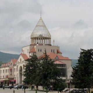 В непризнанной Нагорно-Карабахской республике состоялся конституционный референдум.