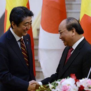Япония становится важнейшим экономическим контрагентом Вьетнама и одной из его опор в сдерживании «морской экспансии» Китая в регионе.