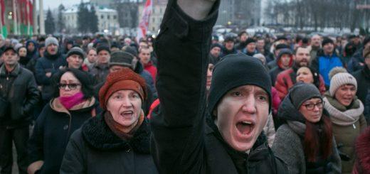 В политике на постсоветском пространстве происходит, на первый взгляд, малозаметный, но существенный сдвиг.