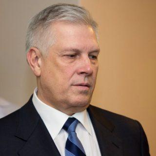 Глава Россельхознадзора Сергей Данкверт считает, что Евразийская экономическая комиссия (ЕЭК) в вопросах АПК и технического регулирования откровенно лоббирует интересы Белоруссии, игнорируя при этом пожелания России.