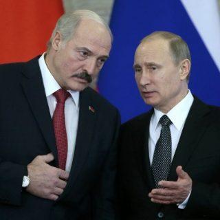 Без нормализации отношений с Россией и при отказе от помощи МВФ стране придется тратить резервы.