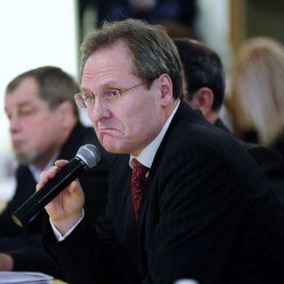 Молдавский МИД без объяснения причин отозвал посла в Москве Дмитрия Брагиша.
