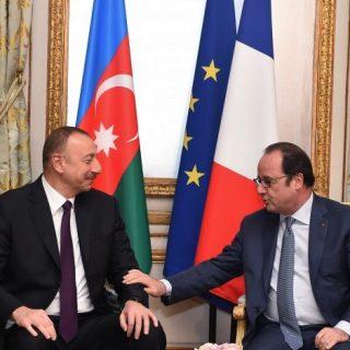 почему уходящий Олланд взялся активно за Карабах?