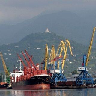 Узбекистан ищет маршруты для доставки своих товаров в Европу