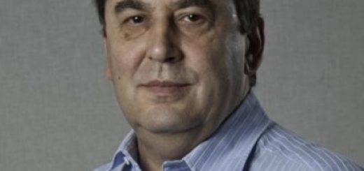 экономист Андрей Нечаев.