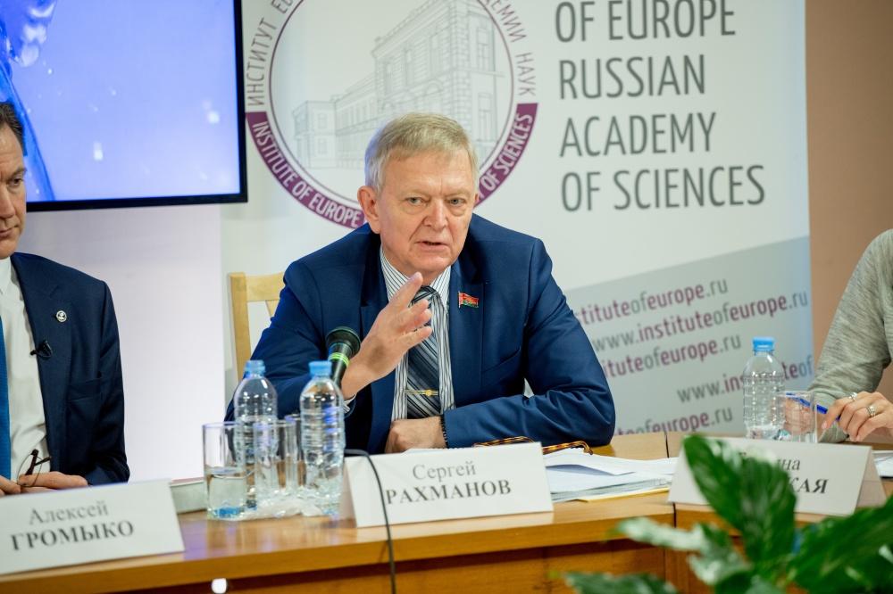 Председатель Постоянной комиссии Совета Республики Национального собрания Республики Беларусь по международным делам и национальной безопасности Сергей Рахманов.