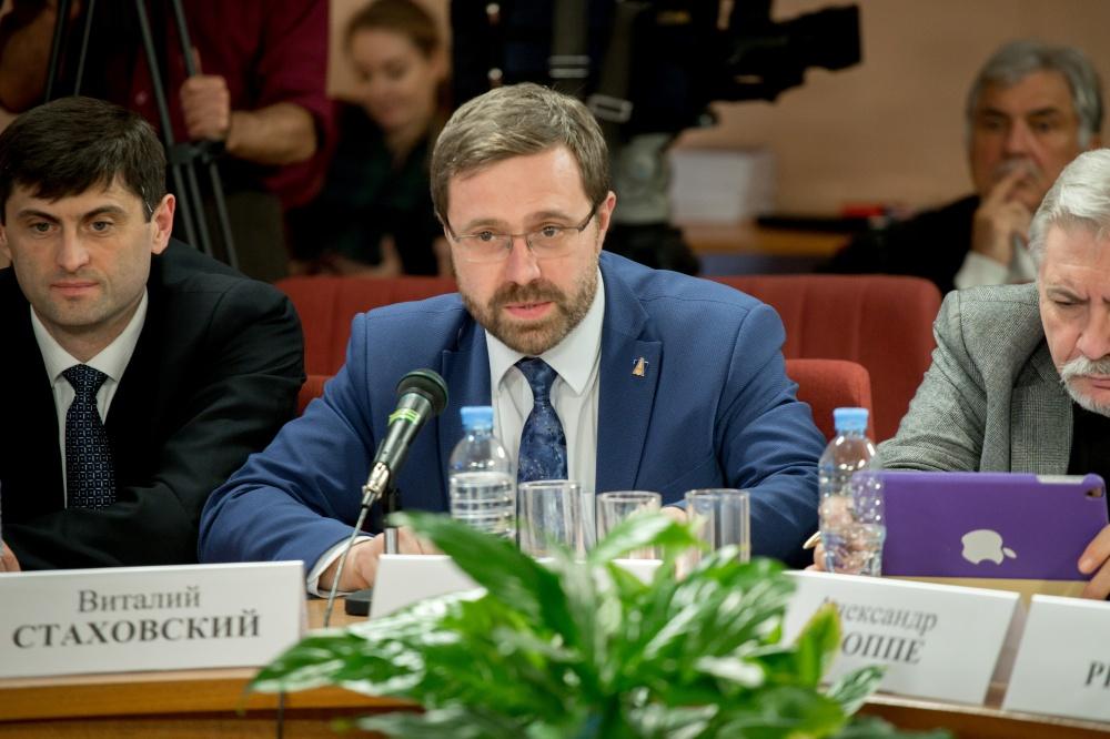Ректор Государственного академического университета гуманитарных наук, сопредседатель Российско-белорусского экспертного клуба Денис Фомин-Нилов.