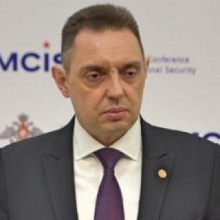 Александр Вулин