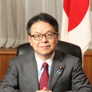 Министр экономики, торговли и промышленности Хиросигэ Сэко