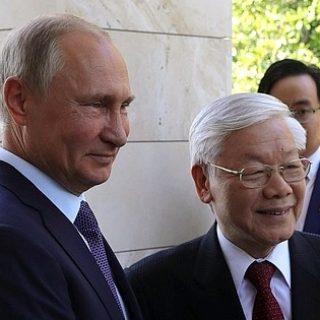 Путин и Генсек ЦК КП Вьетнама