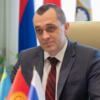 министр промышленности и агропромышленного комплекса ЕЭК Александр Субботин